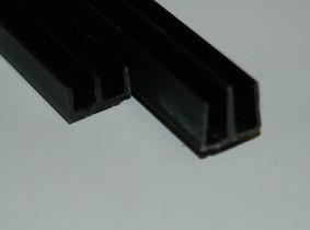 E-Profil für 4mm schwarz 1m